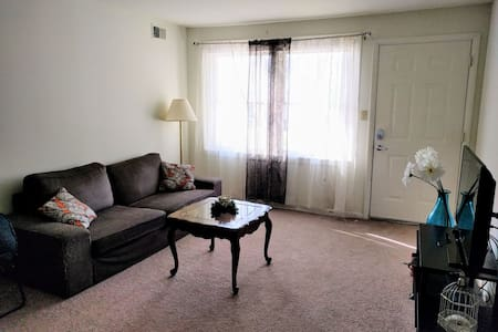 Beautiful Apartment close to Penn State - Стейт-Колледж