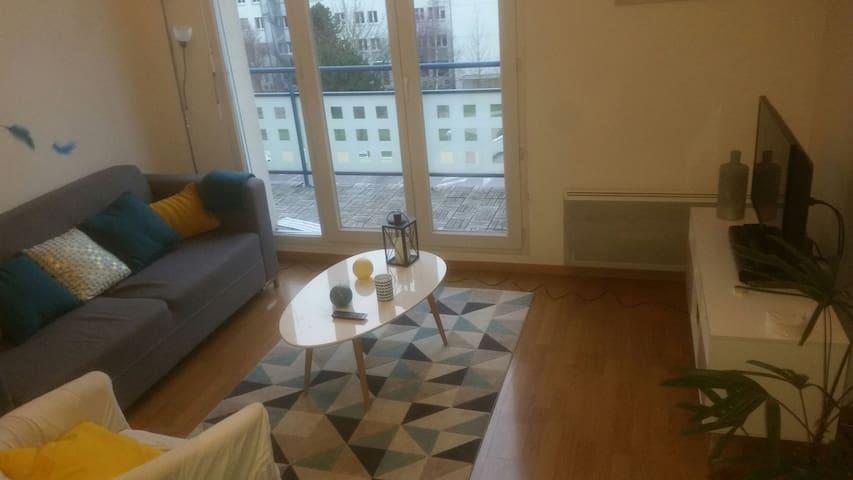 Bel appartement - proche du centre - Orléans - Huoneisto