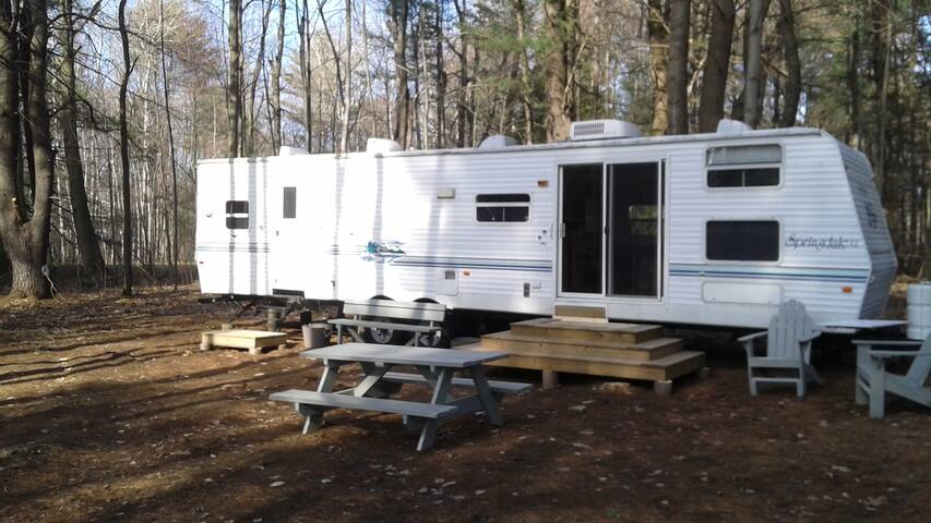 Happy Camper! Perfect retreat for Nature lovers! - Vaudreuil-Dorion - Camper/RV