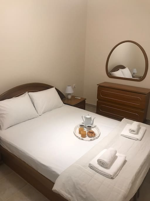 1 bedroom with double bed