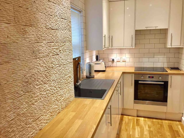 2 bed apartment in Newhaven-also for longer stay
