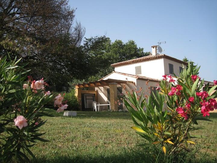 Appartement F3 dans villa à Saint Jeannet n°:1