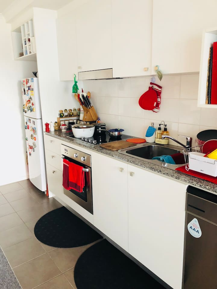 Cozy place to stay in heart of Canberra city
