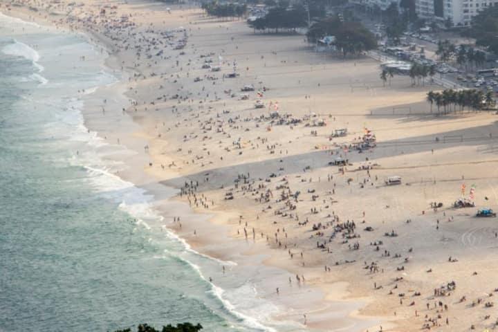 Alugo apartamento no coração de Copacabana
