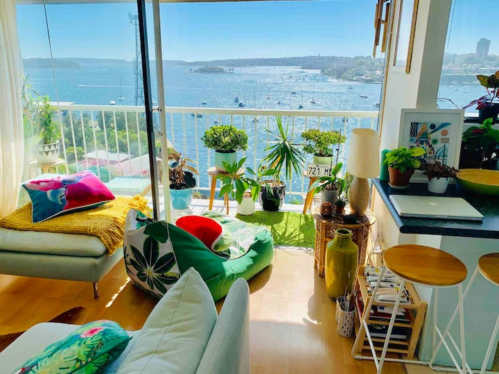 Stunning apartment with panoramic harbour views