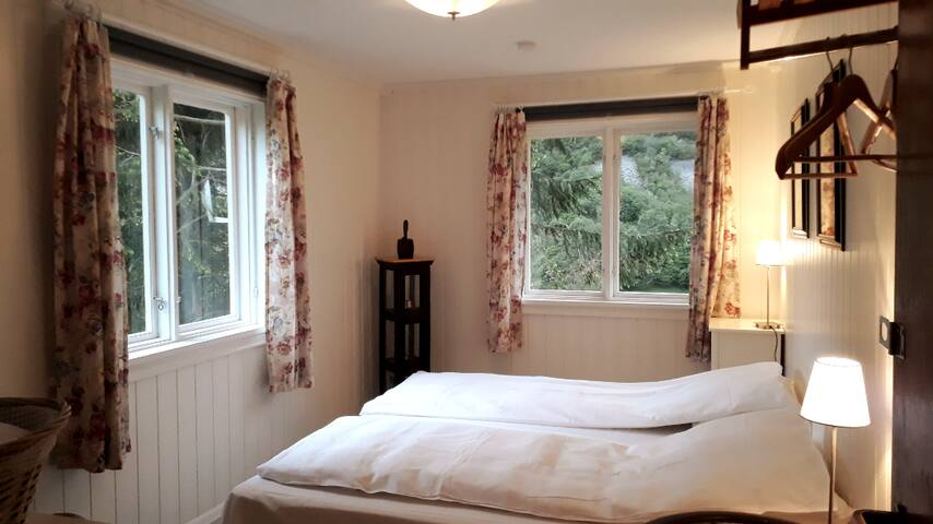 Room 2 with two single beds that can be hooked together