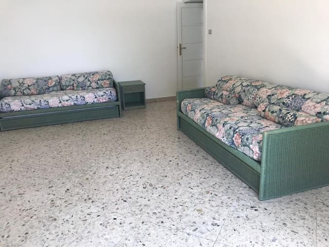 2 double sofa beds