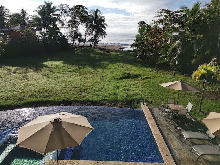 SPECTACULAR OCEANFRONT-KING BED-AC-POOL/JACUZZI
