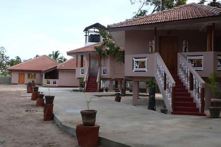 Sri Lanka Pesalai PL Villas