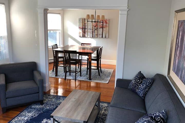 Bright & Relaxing 2BR East Side of Providence