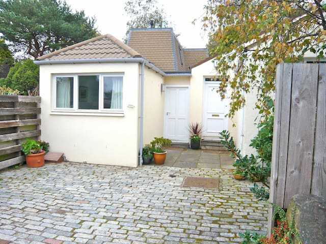 Unique and charming cottage in a beautiful village - Aberlady