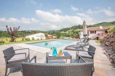 Gîte rural Pays basque avec piscine chauffée