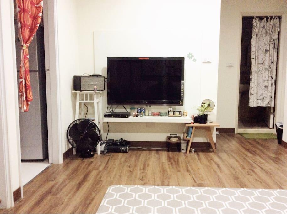 這裡也是客廳一角,電視可供使用,也有WiFi免費使用