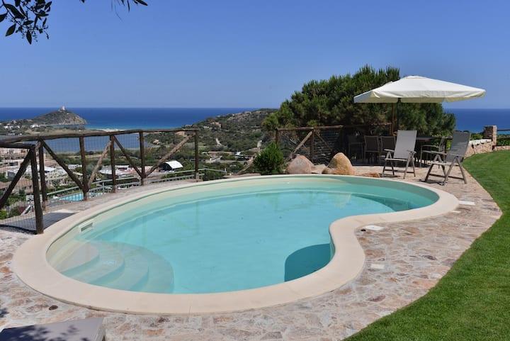 Villa con piscina e magnifica vista a Chia