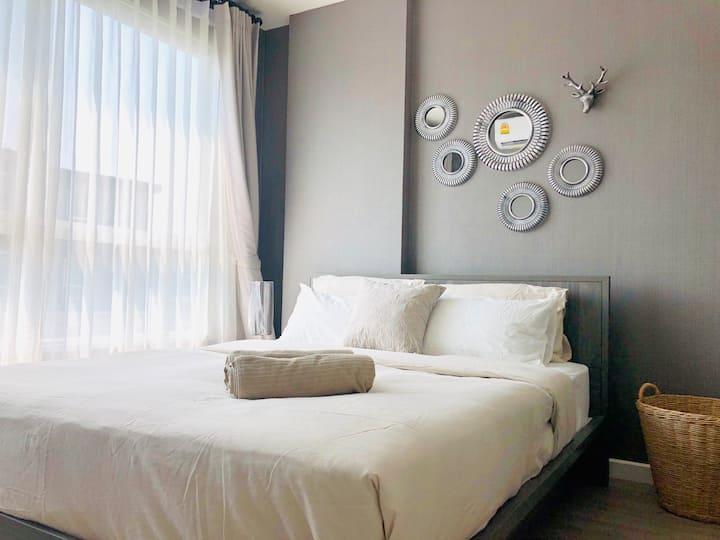🦋 Spacious # Cozy Room ♯豪华公寓 NICE POOL VIEW 🦋
