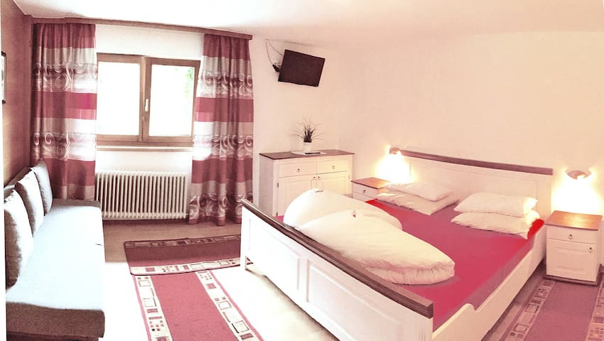 45 m² holiday apartment in Zell im Zillertal