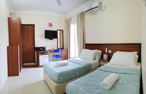 Hulhangu Lodge room 3