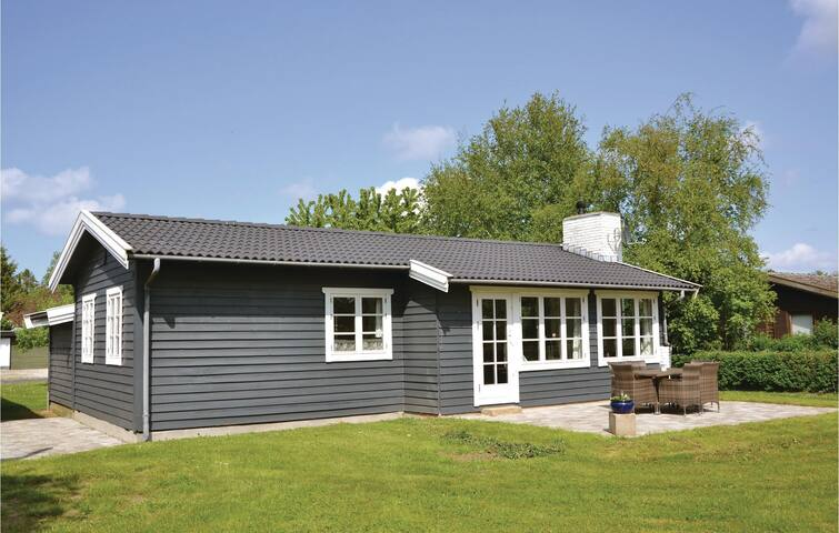 Holiday cottage with 3 bedrooms on 92m² in Kirke Hyllinge