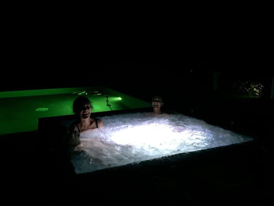 Jacuzzi de nuit /Piscine