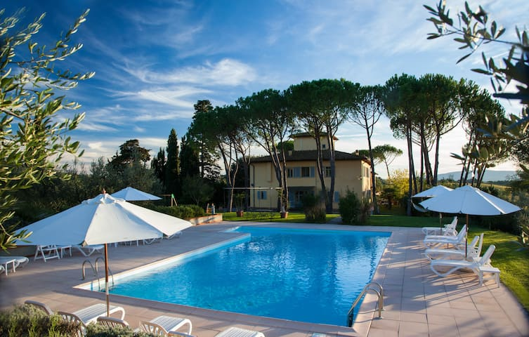 Panoramic Apt 8 garden, pool, view Chianti Hill - Certaldo - Apartamento