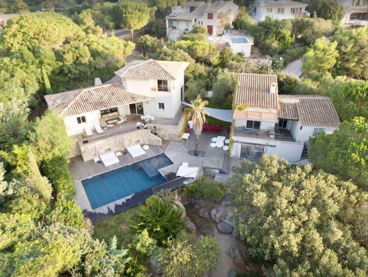 Superbe Villa  10 pers/ vue mer  piscine chauffée