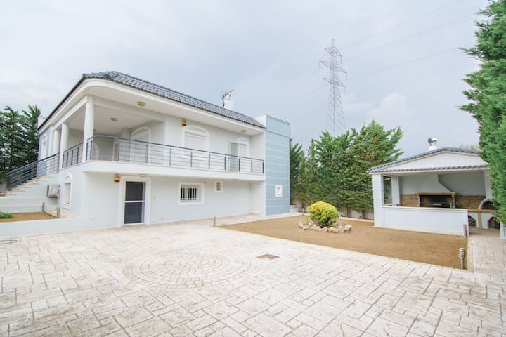 Εξοχική κατοικία 55τ.μ. στη Νέα Πέραμο
