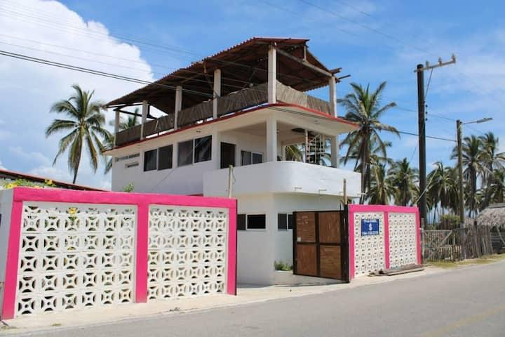 Hostal y club de playa villa Isabel 3