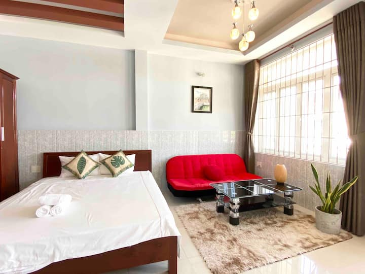 Hue Sweethouse Homestay Balcony room