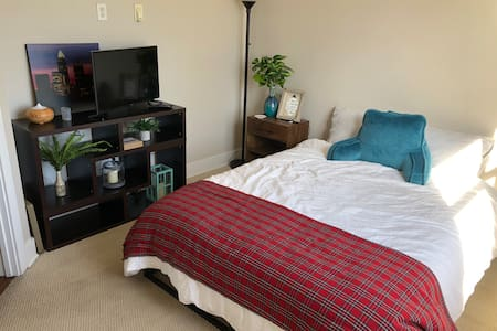 1st floor with private bedroom in Uptown Charlotte