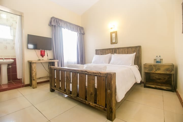 Lux Airport Hotel(Deluxe Double Room with Balcony)