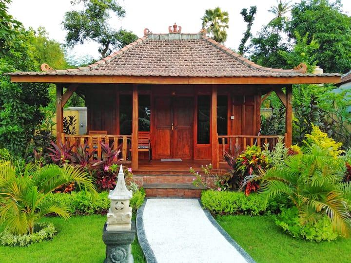 Kubu Kangin Resort with a Nature Atmosphere
