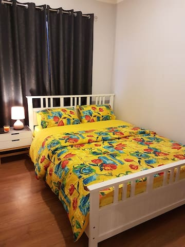 Brand New Furnished Cozy Room for Couples/Ladies.