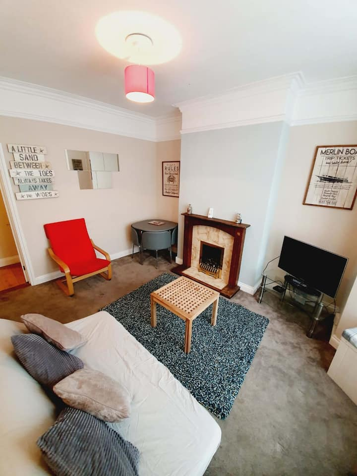 Ground Floor Flat with Parking. Next to Town.