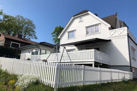 Stort hus med sjøutsikt i hjertet av Horten!