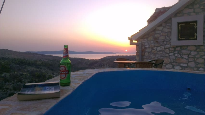View the ocean and the sunset! - Ložišća - Haus