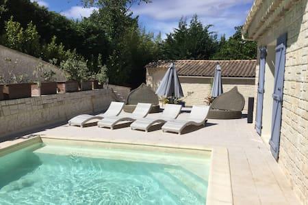 Studio in charming Provençale villa - Saint Paul de Vence