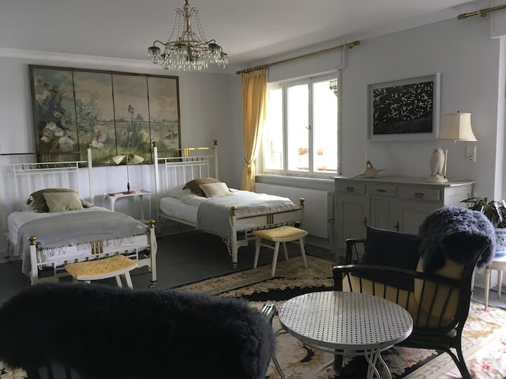 Doppelzimmer mit Bad, Andy and Bettys B&B