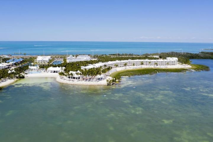 PRIVATE BEACH OPEN! OCEAN FRONT UNIT W/ POOL & SPA