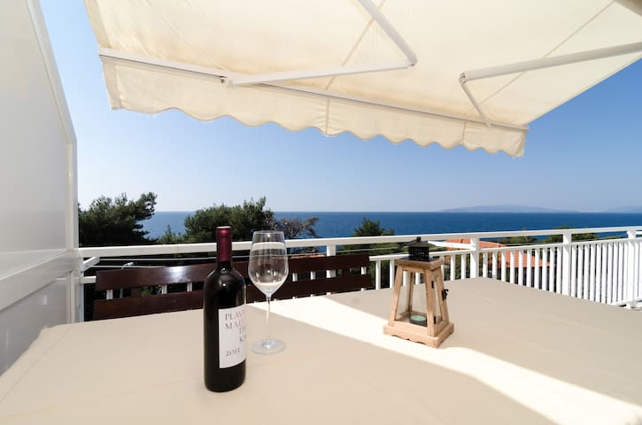 Villa Ana Dingač- Two Bedroom Apartment with Balcony and Sea View ( Apt 5 )