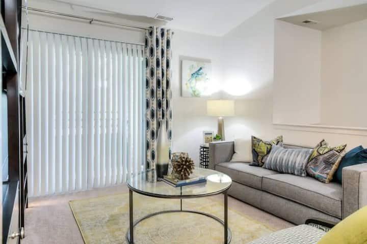 Cozy 2 Bedroom Apartment Home