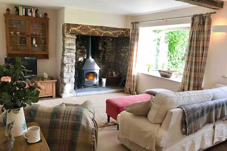 Beautiful Mendip cottage near Cheddar Gorge