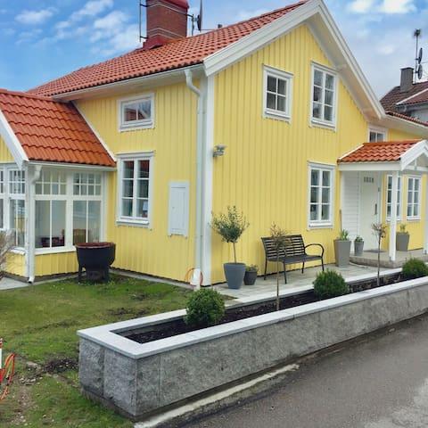 Charmigt hus i Uddevalla centrum