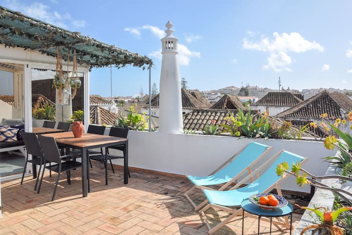 1st Floor - Stylish 1BR Suite in Tavira's Historical Centre