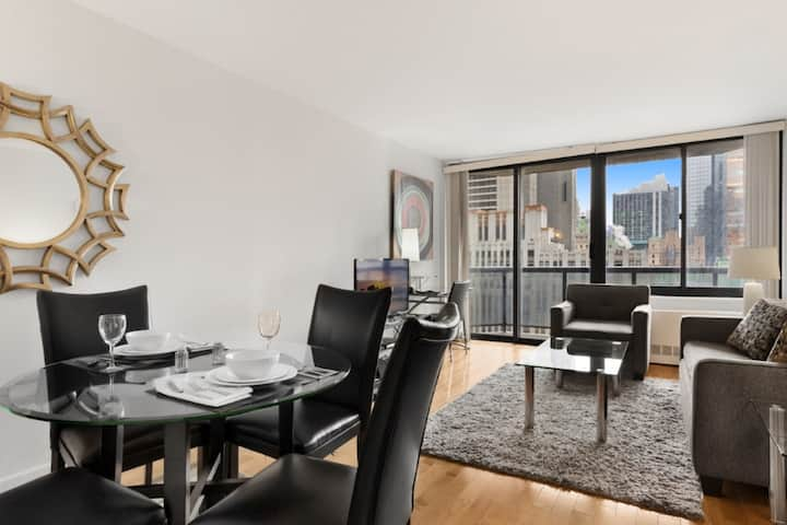 Lux 1 Bedroomapt in Times Square