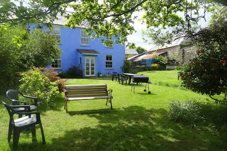 Funky Devon Farmhouse for up to 7 - Loddiswell - Ev