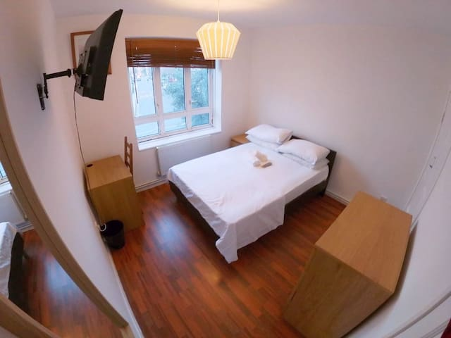 Bright Double Rooms In Portobello Road (4)