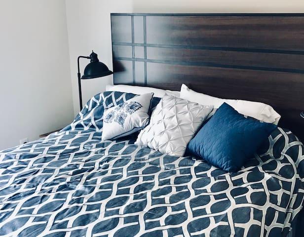 Guest bedroom N1 with a queen bed