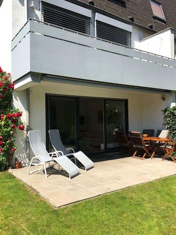 Complete house with garden in Neukölln / Britz