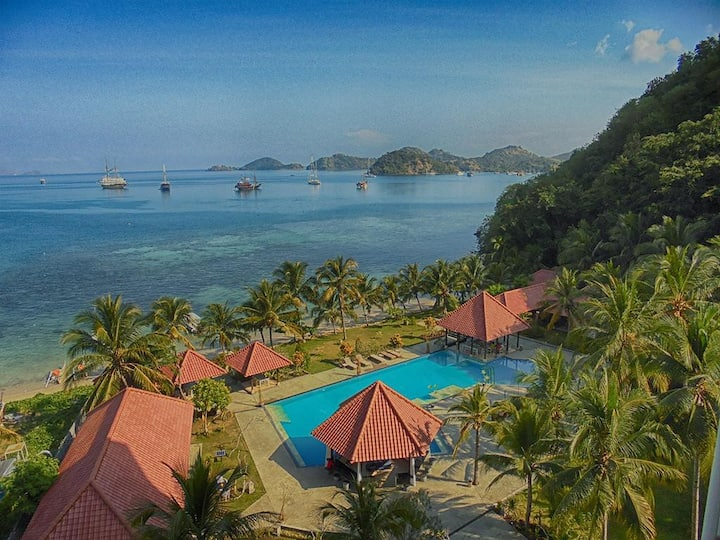 Labuan Bajo Room 2 Adult Beachfront LAprima