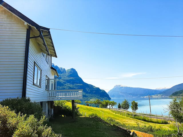 Farmhouse with boat, amazing view of Luster